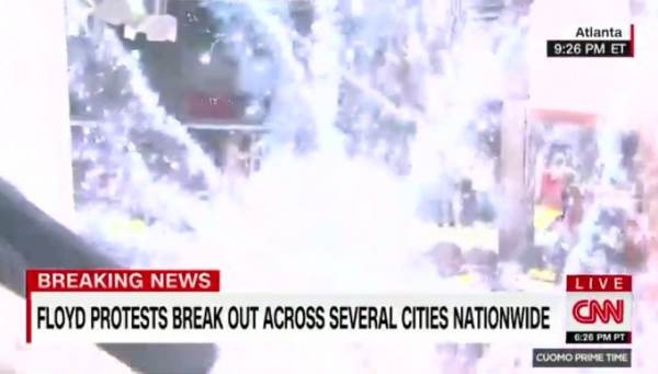 Shock Video: CNN Reporter Shot With BB Pellet, Protesters Throw Smoke, Flashbang Grenades Through Smashed Glass Door at Police Trapped in CNN World Headquarters in Atlanta