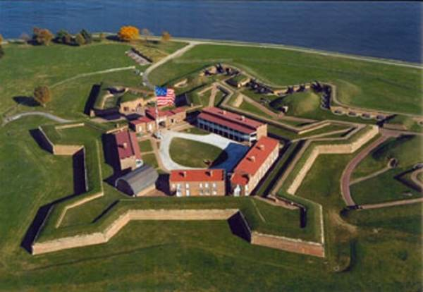 Mayor Tells Trump Not to Come to Baltimore for Memorial Day; GOP MD Gov to Snub President's Visit to Fort McHenry