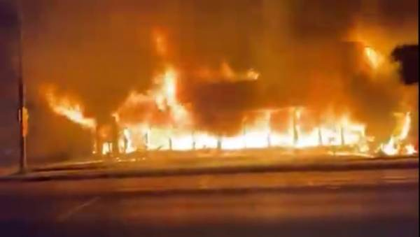 Kenosha: Multiple Buildings and Cars Set on Fire by Black Lives Matter Rioters