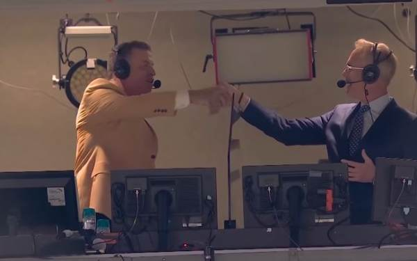 AWFUL! Joe Buck and Troy Aikman Mock Military Flyover Before NFL Monday Night Game (VIDEO)