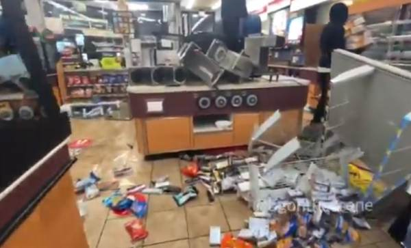 BREAKING: Black Lives Matter Rioters Looting in Milwaukee (VIDEOS)