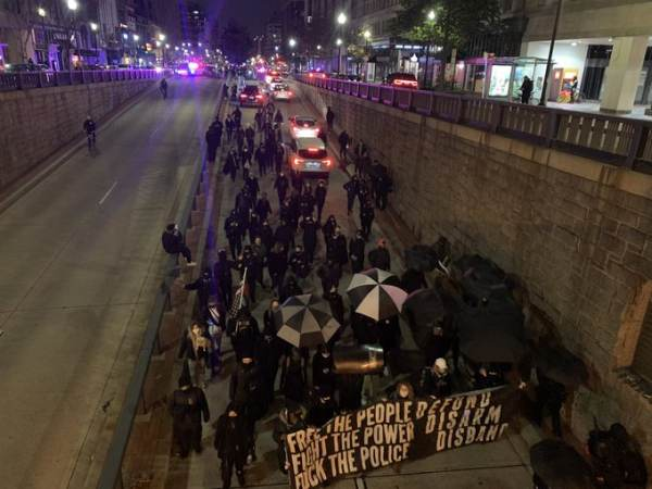WATCH: Anti-Cop Antifa March Blocking Traffic in DC