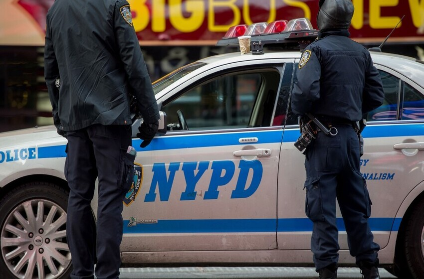 Three knife attacks erupt in midtown Manhattan in a matter of hours