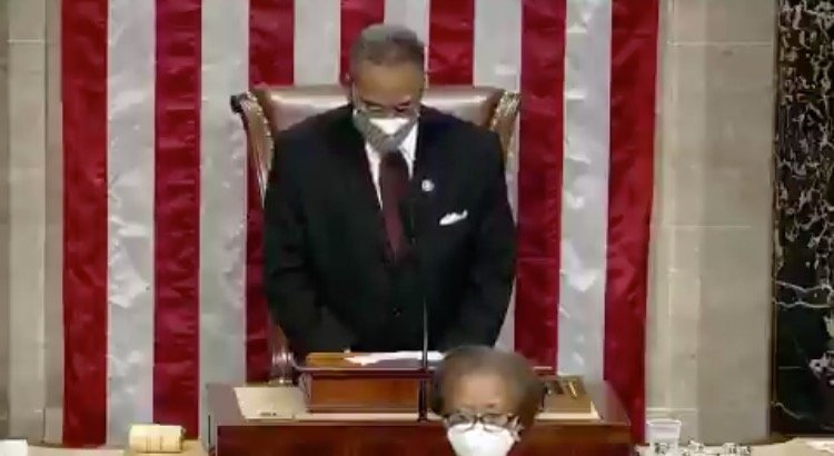 """Prayer to Open 117th Congress Ends with """"Amen"""" and """"Awoman"""" (VIDEO)"""