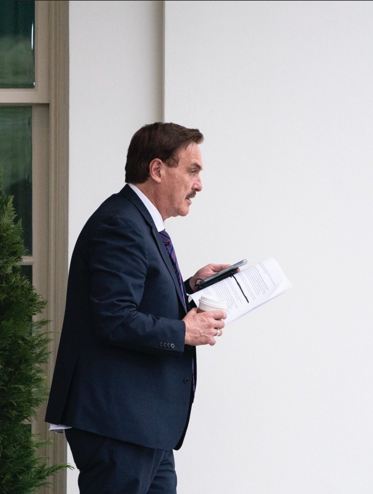 BREAKING: Mike Lindell Visits Trump in White House – Then Media Captures Pictures of His Notes to President Referring to Crimes and Insurrection Act