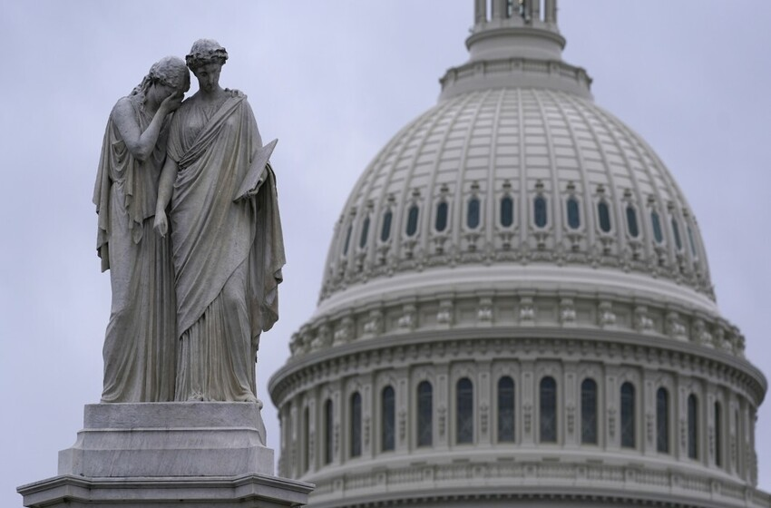 Centrist House Republicans oppose Trump impeachment